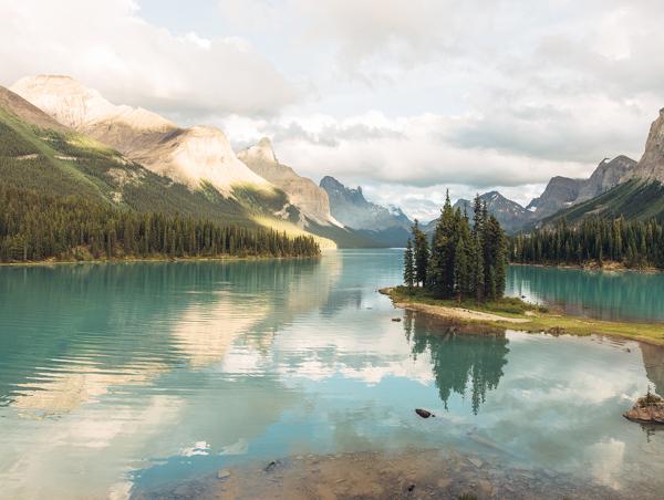 Alaska-and-the-Yukon-Full-circle1.jpg