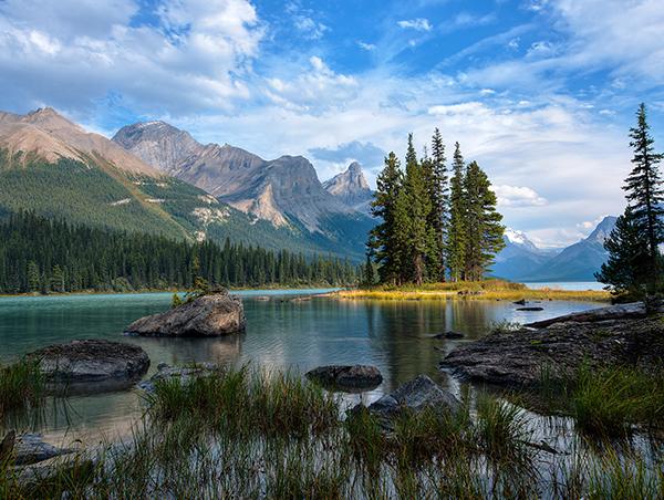Canadian-Rockies-Getaway-Circle-with-Sonora-Resort4.jpg