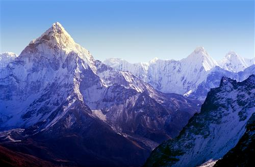Spectacular mountain scenery on the Mount Everest Base Camp trek through the Himalaya, Nepal (Custom).jpg