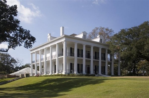 antebellum_house_natches (Medium).jpg