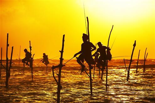 galle_fishermen_srilanka (Custom).jpg