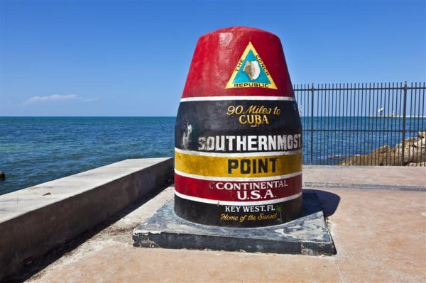 southernmostpointsign_keywest (Medium).jpg