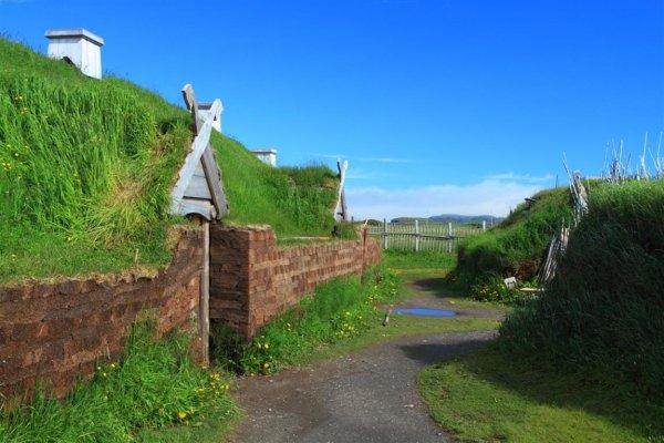 viking_houses_web.jpg